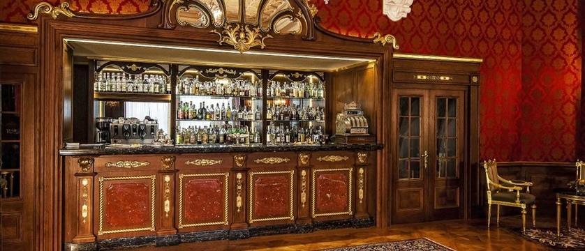 Hotel Regina Palace Bar.jpg